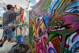 going a wall in lake worth murals turn heads downtown clik hear a bright mural