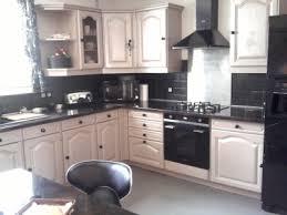 relooking cuisine rustique relooker cuisine rustique en moderne le bois chez vous