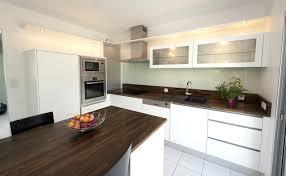 cuisine plan travail bois cuisine blanc laque plan travail bois mod le noir de traitement