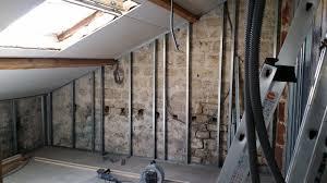 isolation plafond chambre la renaissance de l atelier isolation des murs et plaquage