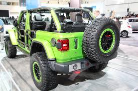 green camo jeep mopar shows off a ton of new 2018 wrangler jl accessories off