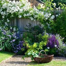 Country Cottage Garden Ideas Country Cottage Garden Gravel And Trellis Country