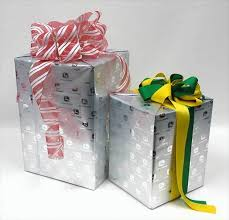 deere wrapping paper 25 country gift wrapping solutions real country