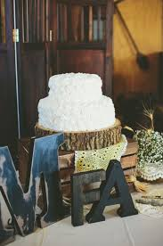 yellow and white wedding with lots of hops