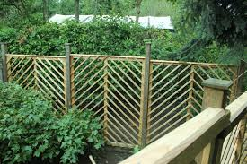 pallet wood trellis the green lever using minimal resources