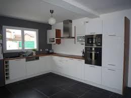 cuisine bordeaux et blanc design cuisine bois clair et blanc bordeaux 1327 19440438 awesome