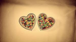 love heart candy pair wallpapers free images hand white sweet glass dark celebration love