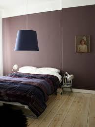 chambre prune 80 idées d intérieur pour associer la couleur prune dans la