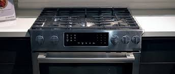 Slide In Gas Cooktop Bosch Benchmark Slide In Range First Impressions Review Reviewed