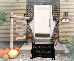 42 homemade halloween door decorations easy mummy halloween door