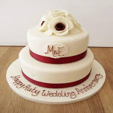 saving wedding cake for anniversary do s and don ts for