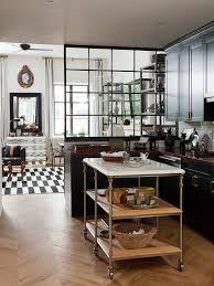 cuisine verriere atelier cuisine avec verrière pour cloisonner l espace avec style sans le