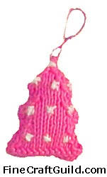 how to knit christmas tree ornaments