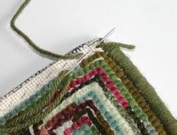 how to whip a hand hooked rug tutorial includes a trick for nice