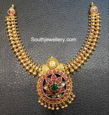 antique gold necklace images Antique gold necklace with kundan pendant jewellery designs jpg