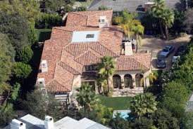 miley cyrus had her home burgled loosing jewelry and hew new
