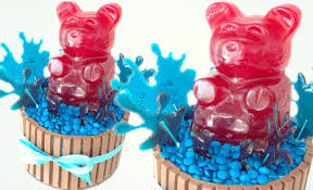 giant gummy bear kitkat and m u0026m cake how to cook that ann reardon