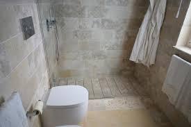 piastrelle in pietra per bagno bagno rivestimenti idee