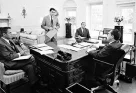 Presidential Desks Oval Office Decor Through The Decades All The Presidents U0027 Desks