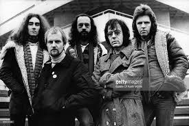 Manfred Mann Earth Band Blinded By The Light Lyrics Photo Of Manfred Mann And Manfred Manns Earthband L R Dave Flett