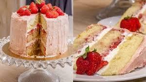 jeux de aux fraises cuisine gateaux gâteau d anniversaire layer cake fraises et vanille recette par