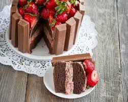 chocolate and strawberry kit kat cake a lot of recipes