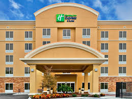 holiday inn express and suites largo 4244596153 4x3