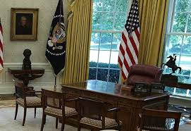 gold curtains in the oval office this is the first thing donald trump changed in the oval office