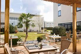 bureau d 騁ude rennes hôtel oceania 4 rennes hôtel restaurant avec jardin