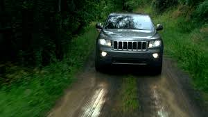 jeep cherokee ads chrysler releases first tv spot for 2011 jeep grand cherokee