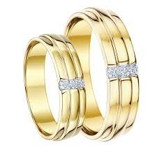 his and hers wedding sets matching yellow gold wedding ring sets his hers sets for groom