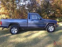 jeep pickup comanche jeep comanche base standard cab pickup 2 door 2 5l