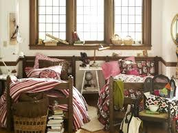 Bedroom Decorating Ideas For College Students Epansive College Bedroom Decor Travertine Alarm Clocks Desk Lamps
