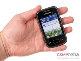 small android phones the smallest of the bunch is here meet the samsung galaxy pocket