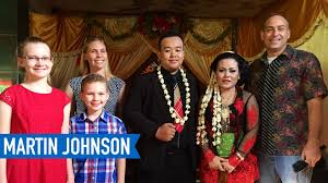 americans go to an indonesian wedding reception youtube