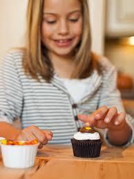 thanksgiving turkey cupcake cake thanksgiving kids u0027 craft turkey cupcakes hgtv