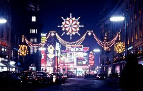 piccadilly circus from regent street 12 63 jpg 5747 3654