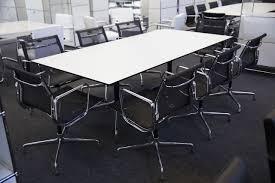 Besprechungstisch Besprechungstisch Konferenztisch
