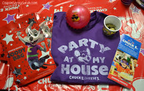 chuck e cheese birthday invitations coupon savvy sarah birthdays at chuck e cheese u0027s just got better