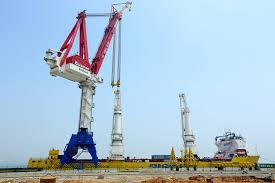 900 ton heavy lift mast cranes installed on happy sky of big lift