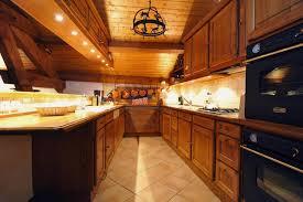 cuisine chalet montagne chalet iona à partir de 4165 location vacances montagne méribel