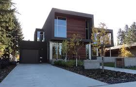 studio homes focusing on green not bling