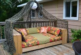 How To Make Patio Furniture Out Of Pallets Bedroom Fancy 16 Pallet Daybed And New Trend Pallet