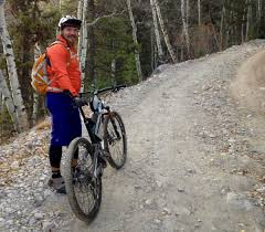biking shell jacket endura mtr emergency shell review singletracks mountain bike news
