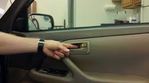 Exterior Car Door Handle Repair How To Replace The Interior Door Handle On A Toyota Camry