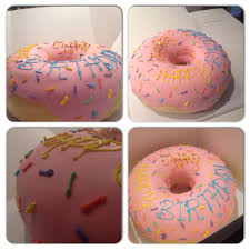 friend wanted a simpsons donut cake i think i nailed it imgur