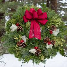 fresh wreaths winterberry christmas wreath from maine variegated wreath