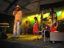 a brief history of reggae music first jamaica then the world
