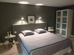tableau d oration chambre adulte chambre adulte grise avec peinture murale avec tableau