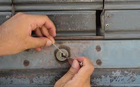 comment ouvrir une serrure de porte de chambre comment ouvrir une porte de chambre sans clé bouc bel air tel